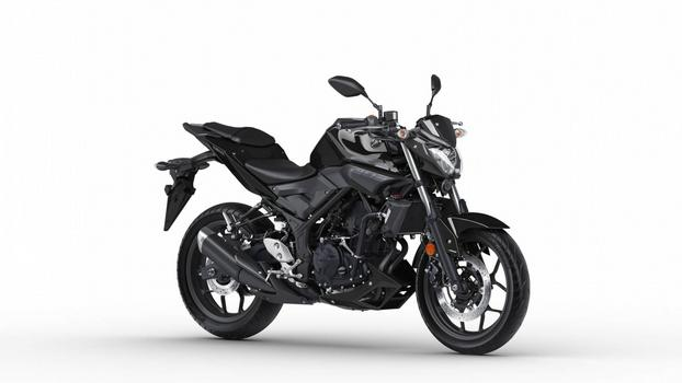 2018-Yamaha-MT-03-EU-Midnight-Black-Studio-001.jpg