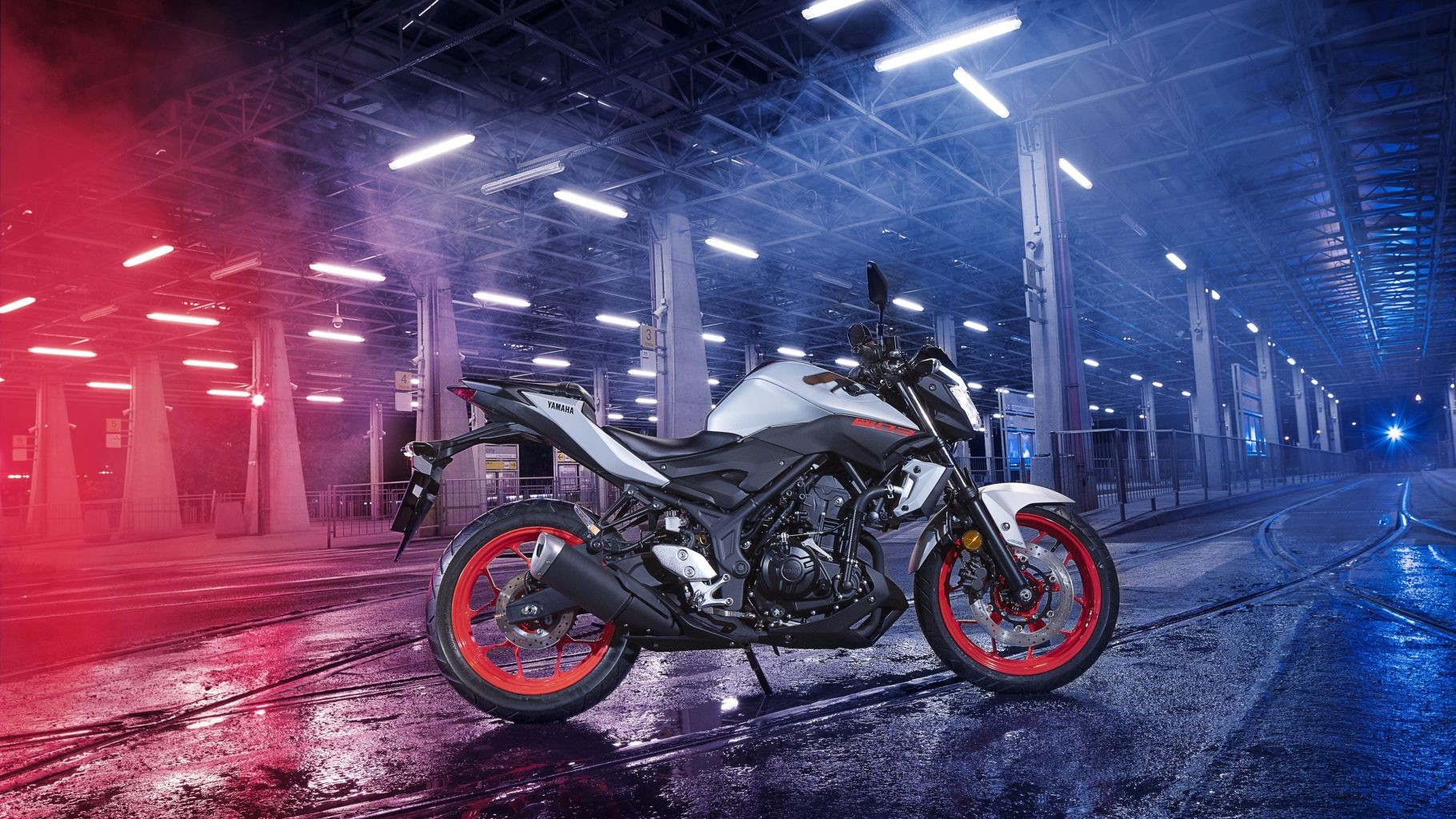 2018-yamaha-mt-03-eu-night-fluo-static-13_z4PF