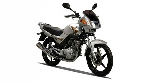 2011-Yamaha-YBR125-RU-Light-Grey-Metallic-Studio-002.jpg