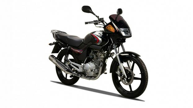 2011-Yamaha-YBR125-RU-Midnight-Black-Studio-002.jpg