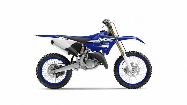 2018-Yamaha-YZ125-EU-Racing-Blue-Studio-002-1.jpg-1