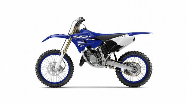 2018-Yamaha-YZ125-EU-Racing-Blue-Studio-006.jpg
